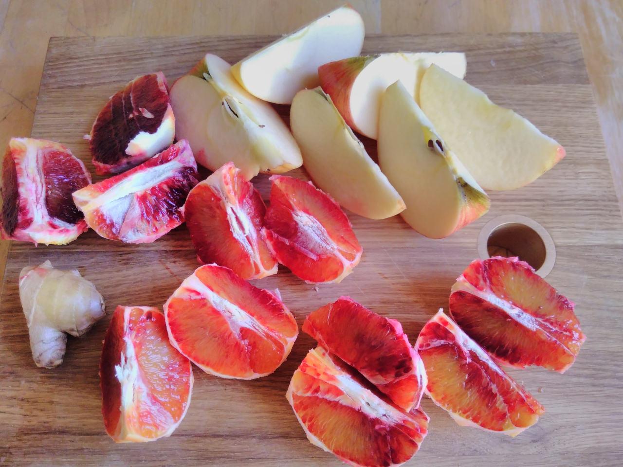 Saftzutaten Apfel und Orange