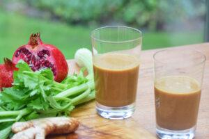 Selleriesaft mit Granatapfel und Ingwer