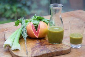 Selleriesaft mit Orange, Grapefruit und Rosmarin
