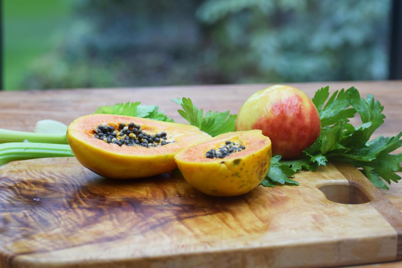 Zutaten für Selleriesaft mit Papaya